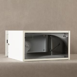 apra-optinet Závěsný rack ecoVARI PLUS 19'' 6U/600mm, dvojdílna, skleněné dveře