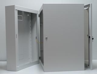 apra-optinet Závěsný rack ecoVARI PLUS 19'' 15U/600mm, dvojdílna, skleněné dveře